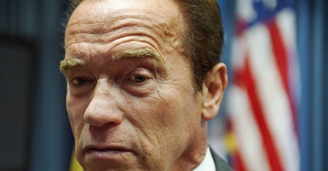 Schwarzenegger pushes Congress to save after-school funding