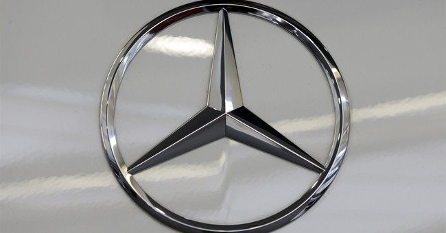 Mercedes recalls 30,000 cars to fix rear tail lamp problem