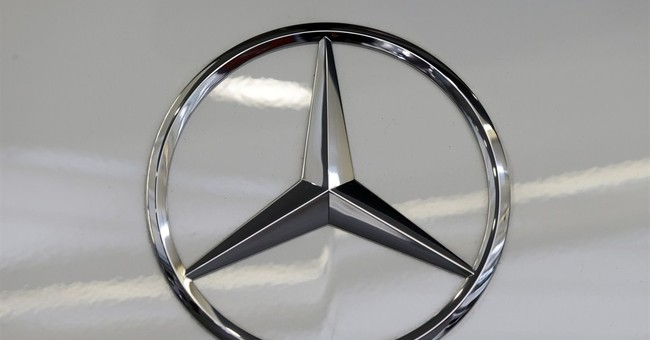 Mercedes recalls 30,000 cars to fix rear tail lamp problem