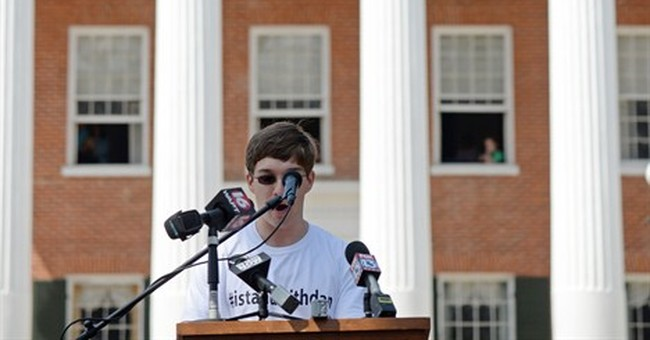 Thousands rally in support of ousted Ole Miss chancellor