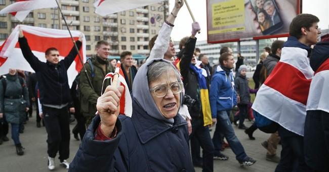 Pro-Ukraine demonstrators in Belarus assail Russian policy