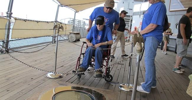 Vietnam War veteran gets dying wish to visit Pearl Harbor