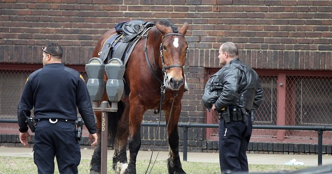 Loose police horse briefly on patrol in downtown Cleveland