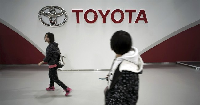 Toyota: Both hands back on the wheel after recall spinout