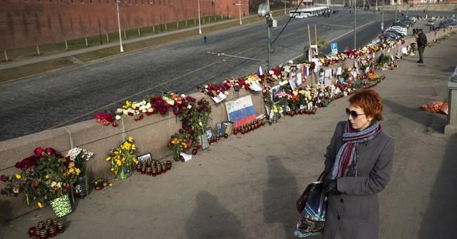 Memorial to Kremlin critic Nemtsov vandalized, then restored
