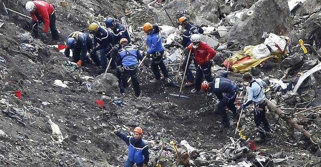 Painstaking recovery mission at treacherous Alps crash site