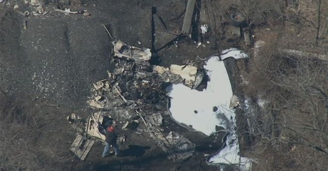 2 dead after small plane crashes near Pennsylvania airport
