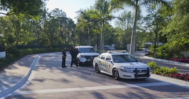 Obama golfs with big money, oil moguls in Florida