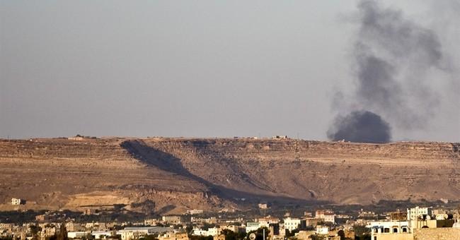 Saudi-led forces strike Yemen rebels, blockade ports