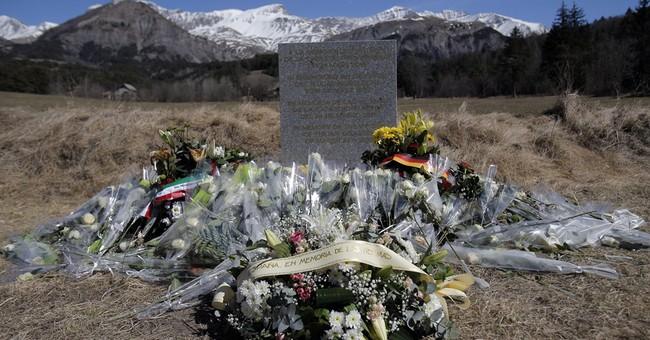 Spain: 3 generations, all named Emma, die in France crash