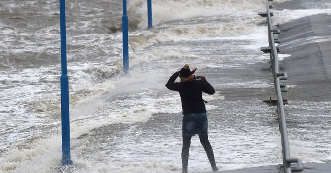 Storm causes disruption in Scotland, north Germany