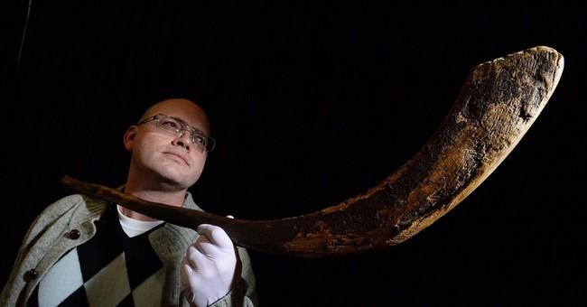 Museum pays $300,000 for world's oldest known hockey stick