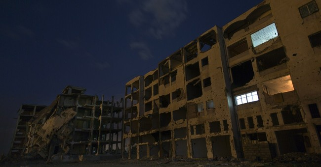 Despondent Gazans return to destroyed homes