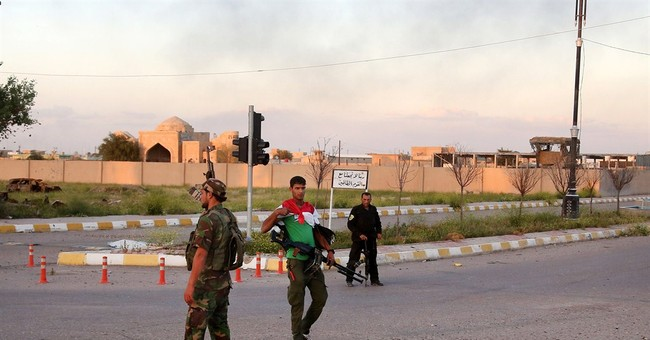 Iraq premier: Troops in center of Islamic State-held Tikrit