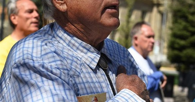 Cliven Bundy, supporters rally before Nevada lawmakers
