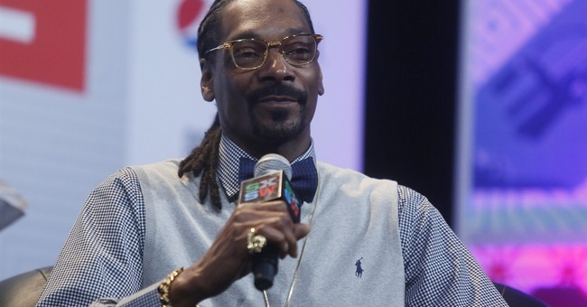 Texas trooper cited for Snoop Dogg photo at Austin festival