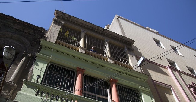 Airbnb offers Cuba lodgings in major US business expansion