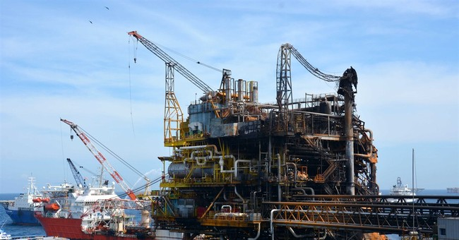 Pemex begins to restore production at fire-damaged platform