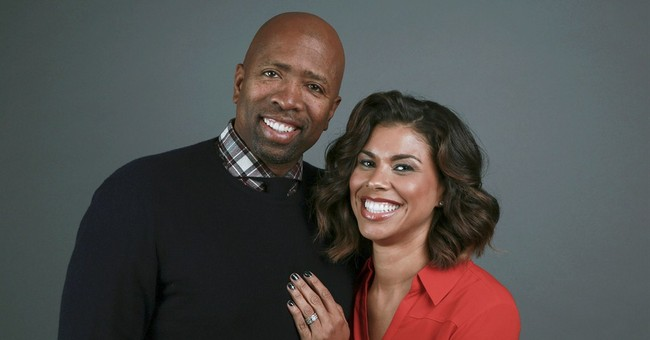 Kenny Smith and his wife invite viewers to 'Meet the Smiths'