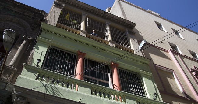 AP Exclusive: Airbnb to Cuba in major US business expansion