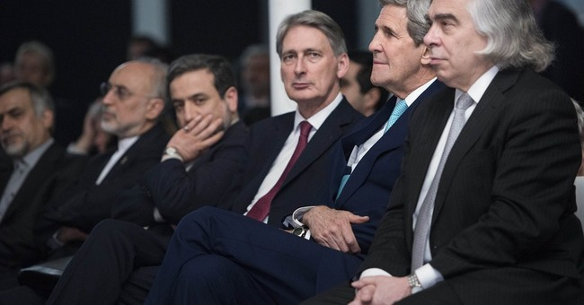 Food on floor, catnaps as diplomats sealed Iran nuclear deal