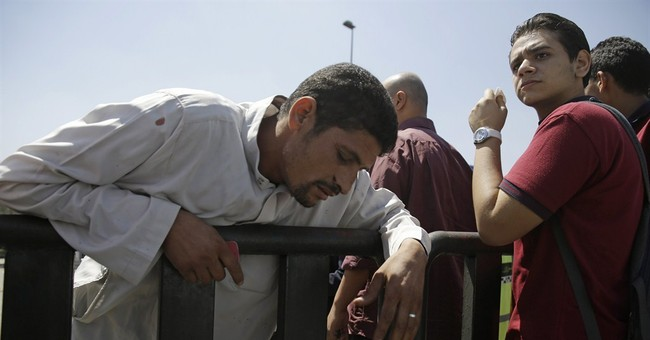 Bomb explodes on central Cairo bridge, kills at least 1