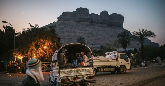 AP PHOTOS: Powder-covered workers toil in Egypt's quarries