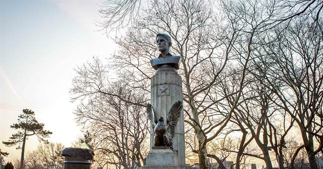 Bust of Edward Snowden sneaked into, removed from NYC park