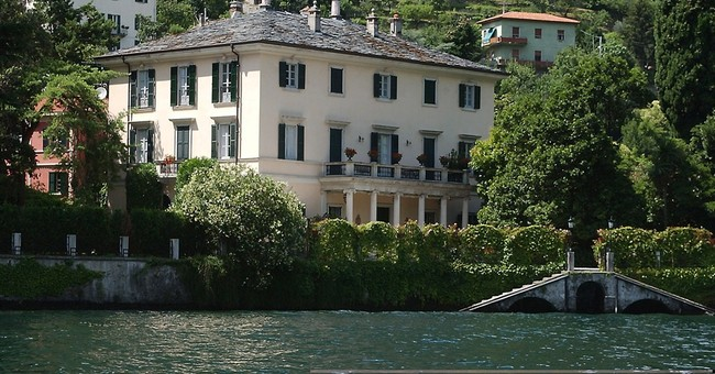 Italian hamlet where Clooney summers hikes fines for gawkers