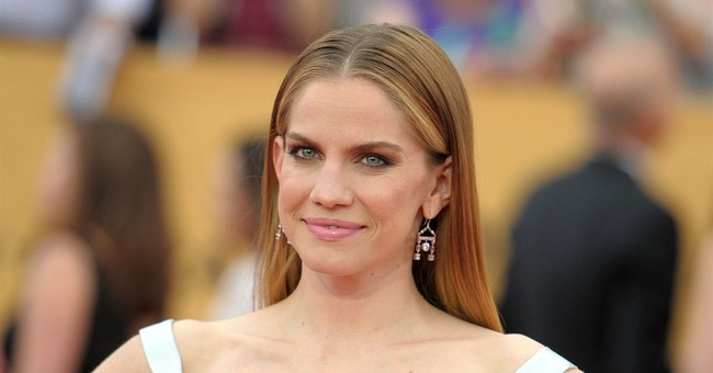 Ex-child stars Anna Chlumsky, Jerry O'Connell bond offstage
