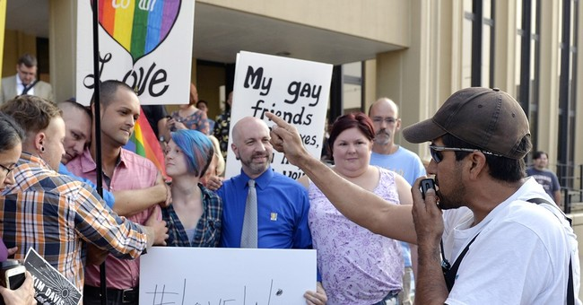 Fight Continues: Kentucky Clerk's Lawyer Says Marriage Licenses Void Without Davis' Authorization
