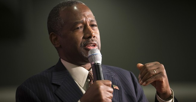 Ben Carson Promotes 'I Am a Christian' Trend After Tragic Oregon Shooting