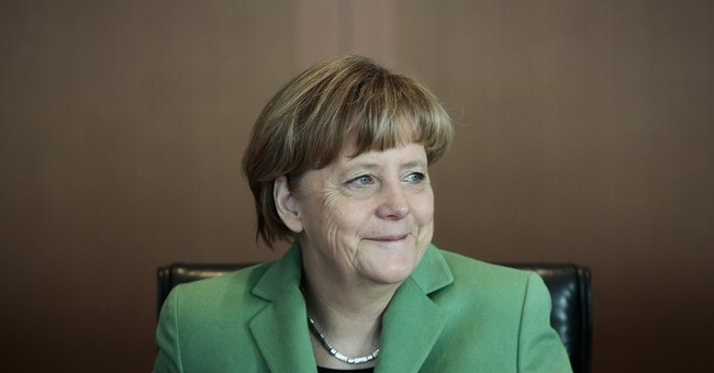 Greek Default Will Discredit Angela Merkel