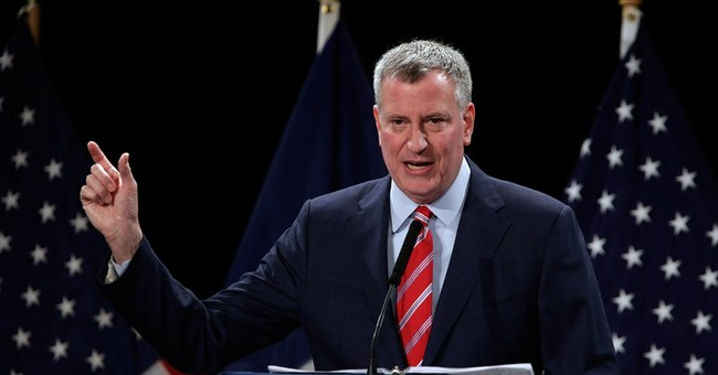 De Blasio Defends Hillary: She's 'a Person of Extraordinary Integrity'