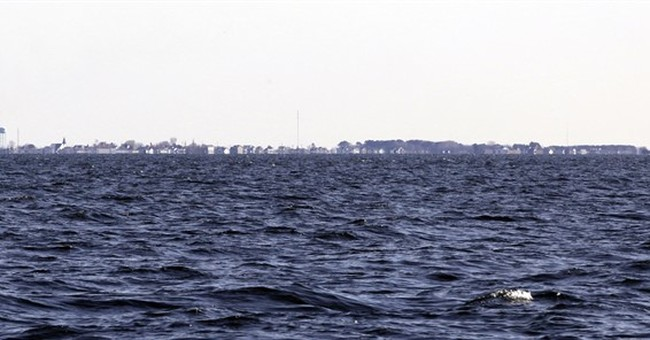 Is Rising Sea Level Threatening Norfolk Naval Base and the Chesapeake Bay Area?