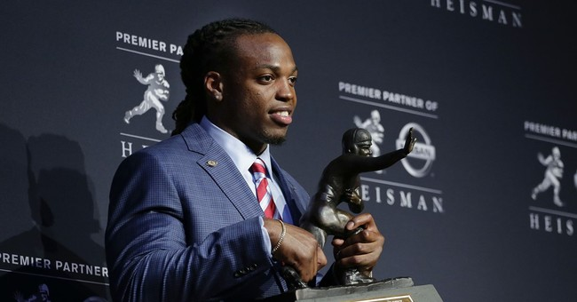 """Don't Be Afraid to Pray"" Heisman Trophy Winner Derrick Henry Praises God in Acceptance Speech"