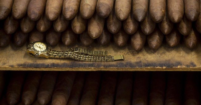 Obama Lifts All Restrictions on Cuban Cigars and Rum