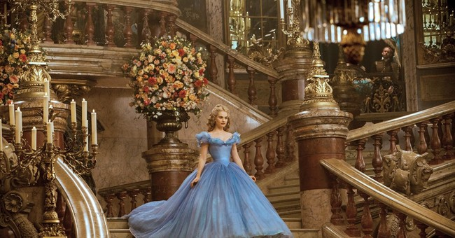 Cinderella Review: An Enchanting Family-Friendly Film