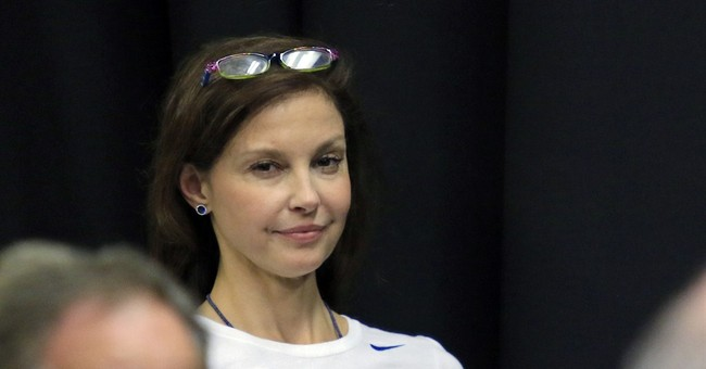 I Feel Hitler In These Bleachers: Ashley Judd Triggered At KY Basketball Game When Man Said 'We Like Trump'