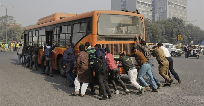 Indian capital starts limiting cars for 2 weeks to clear air