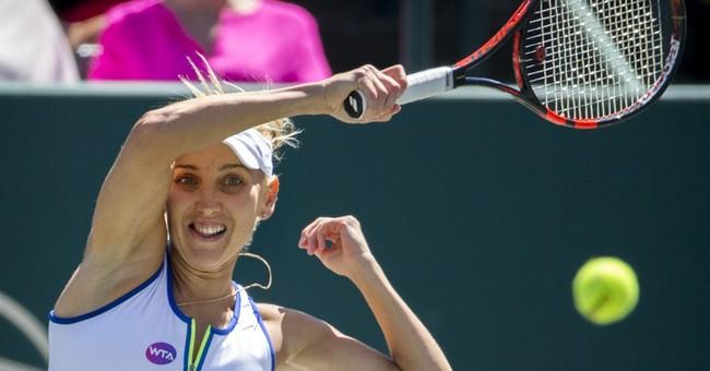Kerber retires; Stephens, Vesnina make Charleston final
