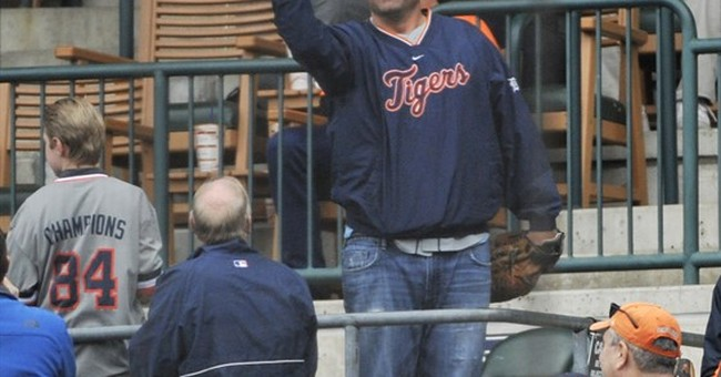 Detroit Tigers fan catches 5 foul balls in 8 innings