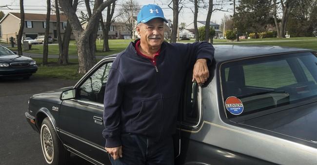Former White House gardener selling Hillary Clinton's car