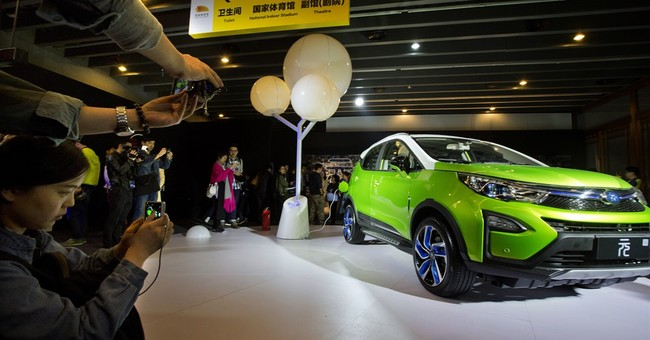Demand for SUVs boosts China auto sales by 10 pct in March