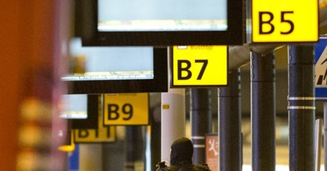 Man who caused Dutch airport alert claimed to be 'terrorist'