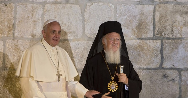 With migrant mission to Greece, pope cements Orthodox ties