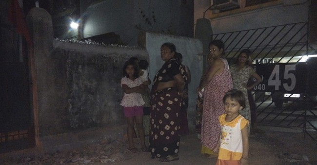 Strong quake hits Myanmar, but no deaths reported