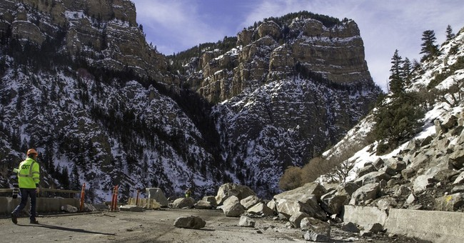 I-70 through Glenwood Canyon fully reopens after rockslide