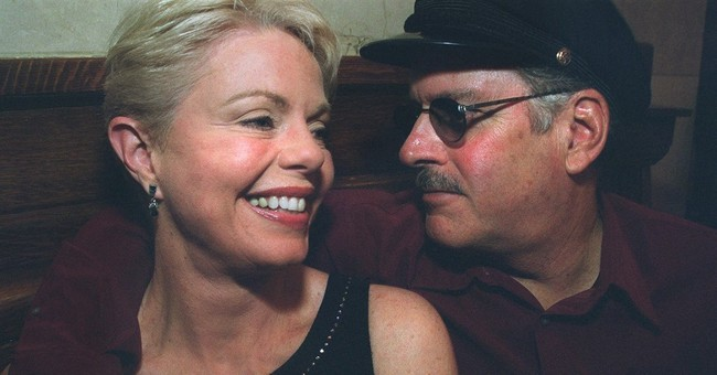 Tennille on the Captain: 'I've never felt loved by him'