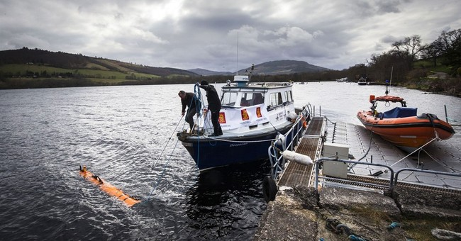 Robot finds 'monster' in Loch Ness _ but it's a movie prop
